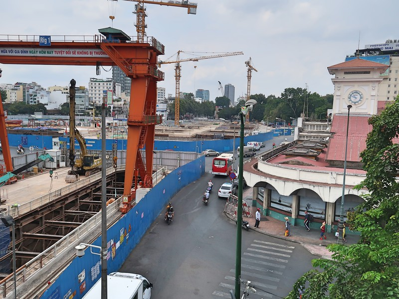 Le Loi and Ben Thanh metro work site