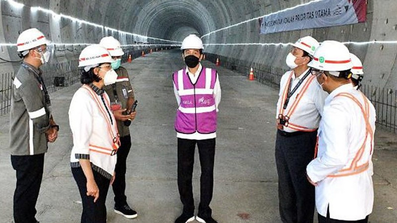 Trial Run of Jakarta-Bandung Railway Project to Take Place End of 2022, Jokowi Says