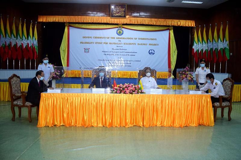 Myanmar, China sign MoU on feasibility study for Mandalay-Kyaukpyu railway project