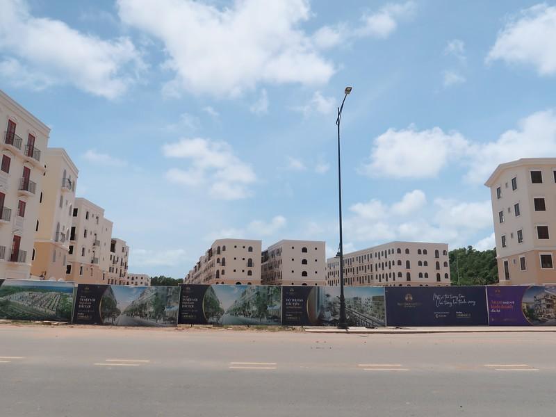 Construction at Sun Grand City New An Thoi