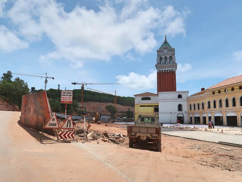 Construction at Primavera