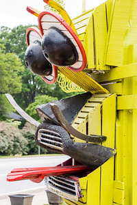 Where is this in Atlanta?  The ArtLot is located at 70 North Avondale Road and is a collaboration with The Avondale Arts Alliance and the city of Avondale Estates.  The pop up art park showcases art installations from local artists, games, musical and spoken word performances, movies and other programming.  (Jenni Girtman / Atlanta Event Photography)