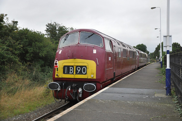 Warship D821   Brings up the Rear of 0Z52 heading for the NYMR