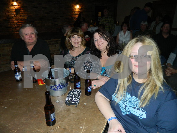 left to right: Michelle Homewood, Amber Beyer, Linda Homewood, Jim Homewood.