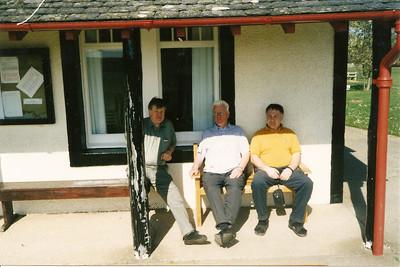 Í Skotlandi, rástími framundan. Fv. Óþ., Halldór Sigmundsson, Karl Jóhannsson.