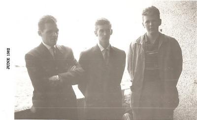 Við klúbbhúsið 1962