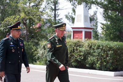 2019 оны наймдугаар сарын 08.  ОХУ-ын Батлан хамгаалахын орлогч сайд, хурандаа генерал А.В. Формин нарын албан ёсны айлчлал хийж байна.  ОХУ-ын Батлан хамгаалахын орлогч сайд А.В. Формин Батлан хамгаалах яаманд хүрэлцэн ирж дэд сайд Т.Дуламдоржтой уулзалт хийлээ.  ГЭРЭЛ ЗУРГИЙГ Б.БЯМБА-ОЧИР/MPA