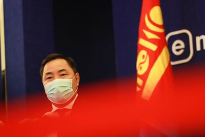 2020 оны арванхоёрдугаар сарын 16. УИХ-ын гишүүн Б.Пүрэвдорж мэдээлэл хийлээ.    ГЭРЭЛ ЗУРГИЙГ Б.БЯМБА-ОЧИР/MPA