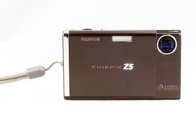 Fujifilm Finepix Z5, 2005