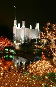 Mormon_Temple_2003_12_12_0044