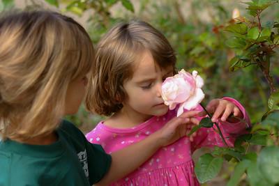 Kids_Flowers_2003_10_25_0003