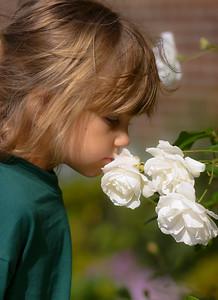 Kids_Flowers_2003_10_25_0014