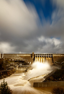 Folsom dam after heavy rains during the 2016/17 winter.