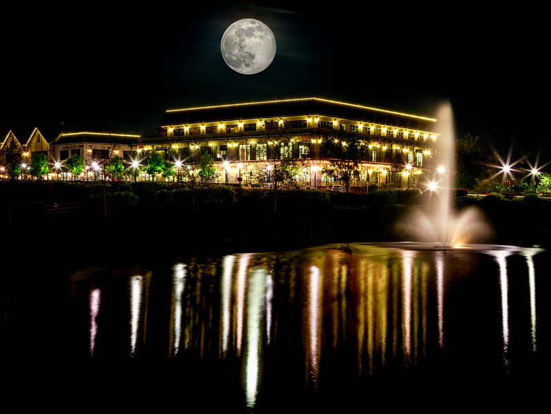 Big ol moon over town center the other night. #moon #towncenter #edh #eldoradohills #longexposure #fountain