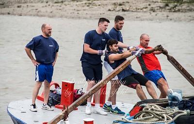 2016 Barge race 09