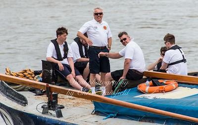 2016 Barge race 05