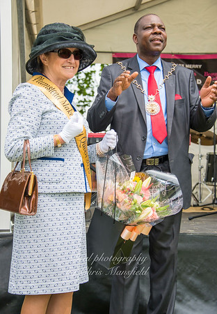 Mayor Olu Babatola with queen of the make merry