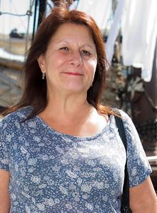 tour guide lady 2