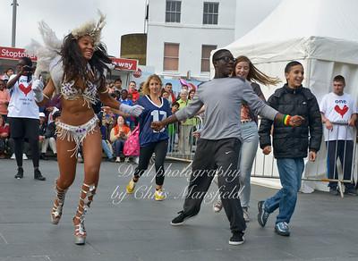Taru-Brazilian dance audience participation