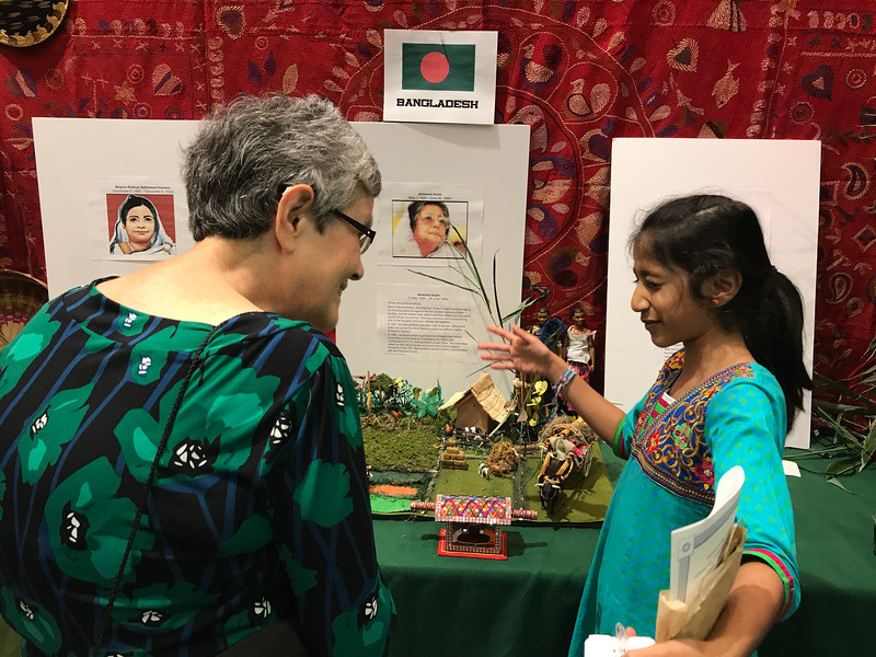 These hostess were so enthusiastic to share about Bangladesh. They were impressively prepared. They really liked to share about wedding customs. Delightful!