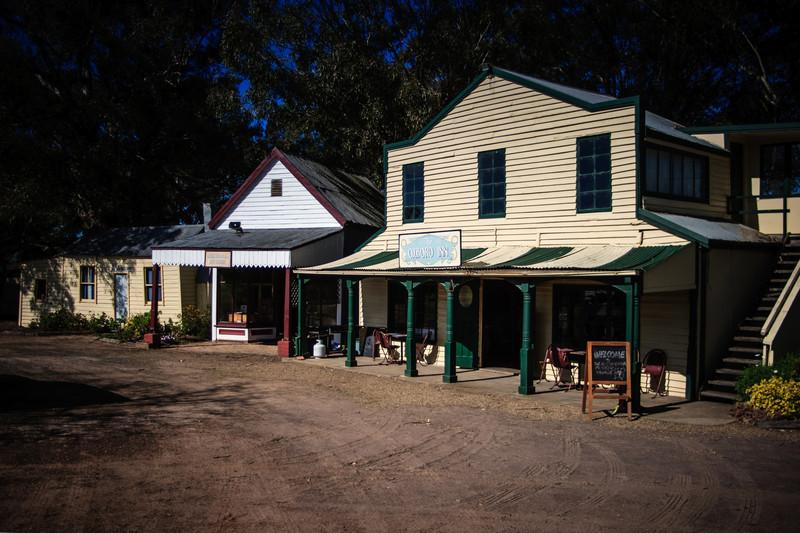 Australiana Pioneer Village, Wilberforce<br /> The Oxboro Inn.