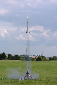 Liftoff of an NCR Lance Beta at the August 14, 2004 CIA launch at Dodds Park in Champaign, Illinois.  Photo by Greg Smith.