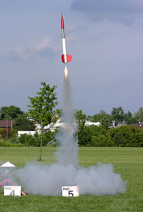 Chris Deem's Cherokee II lifts off at the June 12, 2004 CIA launch at Dodds Park.  Photo by Greg Smith.