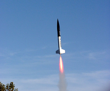Liftoff of Mark Joseph's BSD Horizon at the October 9, 2004 CIA launch at Dodds Park.  Photo by Greg Smith.