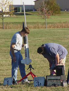 Mark Joseph loads his BSD Horizon on the launcher at the October 9, 2004 CIA launch at Dodds Park.  Photo by Greg Smith.