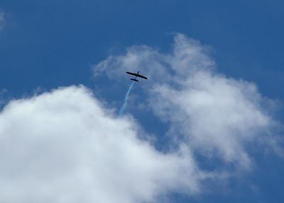 Dave Harris' Phoenix R/C R/G in flight.  Photo by Alan Carroll.
