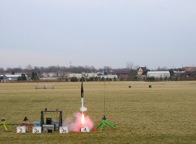 Mark Joseph's Horizon takes off on an Aerotech Redline motor, February 12,2005. photo by Christopher Brian Deem