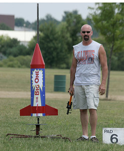 "Kevin Trueblood with his ""The Big One,"" about to launch with an H180 motor.  Photo by Greg Smith"