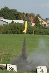 Chris Deem's Primus II takes off with an F20-7.  Photo by Greg Smith