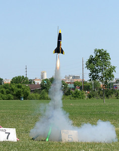 An Estes Big Daddy takes off.  Photo by Greg Smith