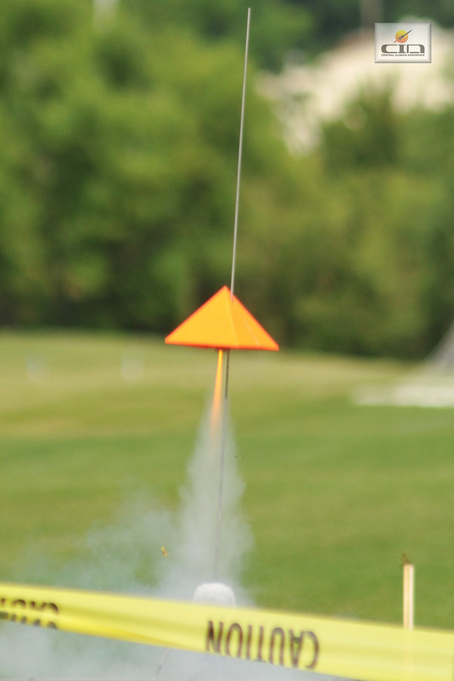 Flying pyramid takes off Photo by Alan M. Carroll