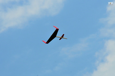 Boost glider in flight. Photo by Alan M. Carroll