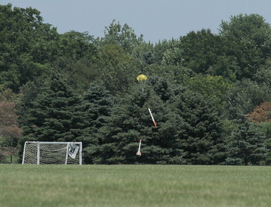 Descent of Dean Babcock's Aerotech Barracuda in a far corner of the park.  Photo by Greg Smith