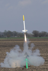 Mike Z's upscaled Astron Sprint takes off with an F35-11 motor to a flight of 2,635'.  Photo by Greg Smith