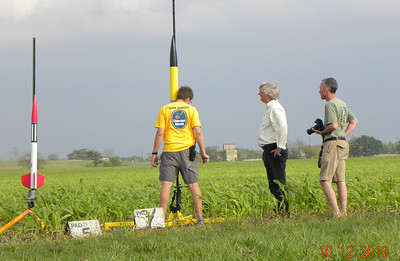Mark Joseph sets up his Horizon on the big pad while Steve and Scott look on. photo by Christopher Brian Deem