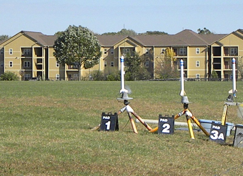 One of 20 AE 100 rockets with an egg, altimeter, and video camera fly on E9-6's.