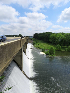 lots of water flowing over the dam breast, May 31, 2017