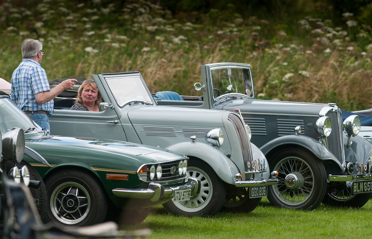 Hurstborne Tarrant Show - Vintage Car owners compare notes. 16th July, 2016 - Picture Andy Brooks