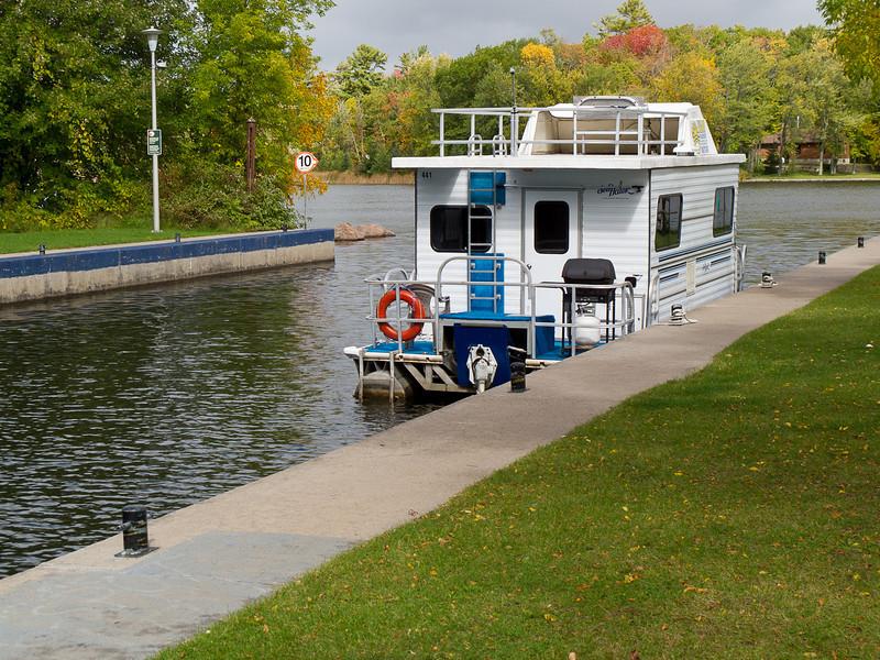 100925_houseboat_0062