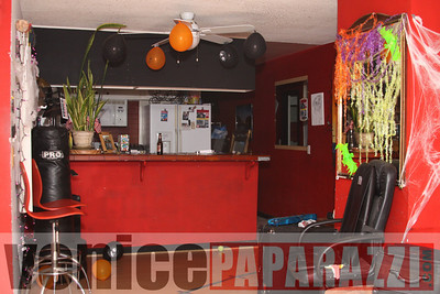 10 31 08  Venice Boardwalk Halloween Party  Reggae  latin music by Metzclef, and Punk Rock Musice by Punk for Life (11)