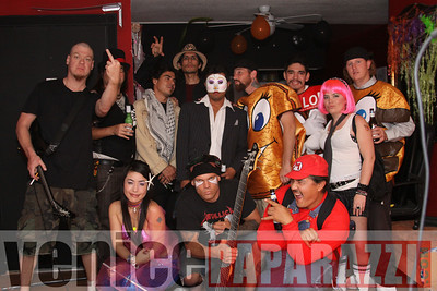 10 31 08  Venice Boardwalk Halloween Party  Reggae  latin music by Metzclef, and Punk Rock Musice by Punk for Life (35)