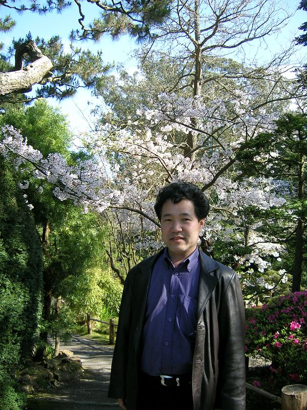 Nobuo wants to see the cherry blossoms in FULL BLOOM in 2005.