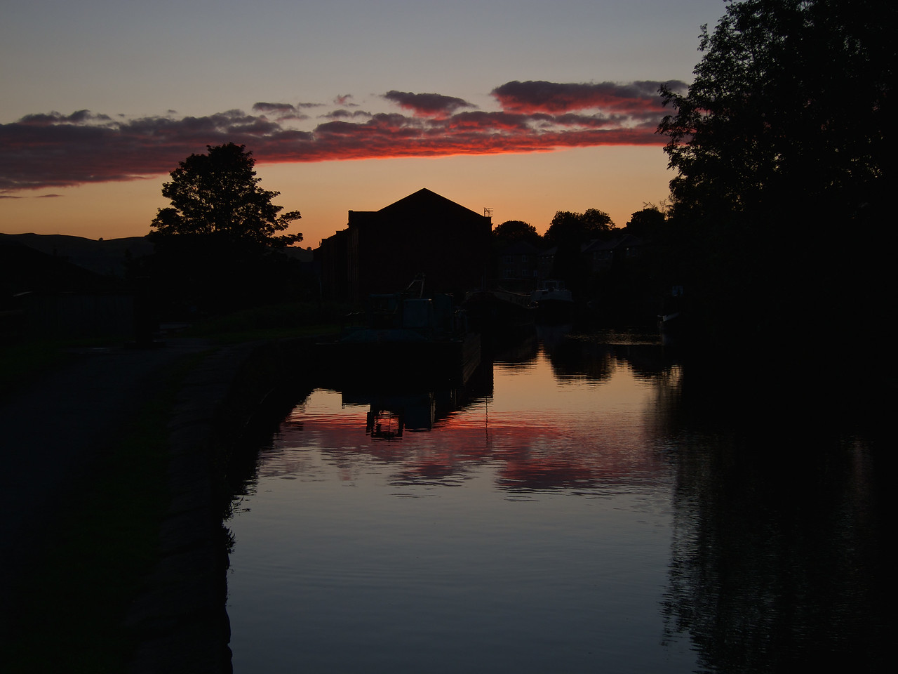 Sunset over the canal at Riddlesden
