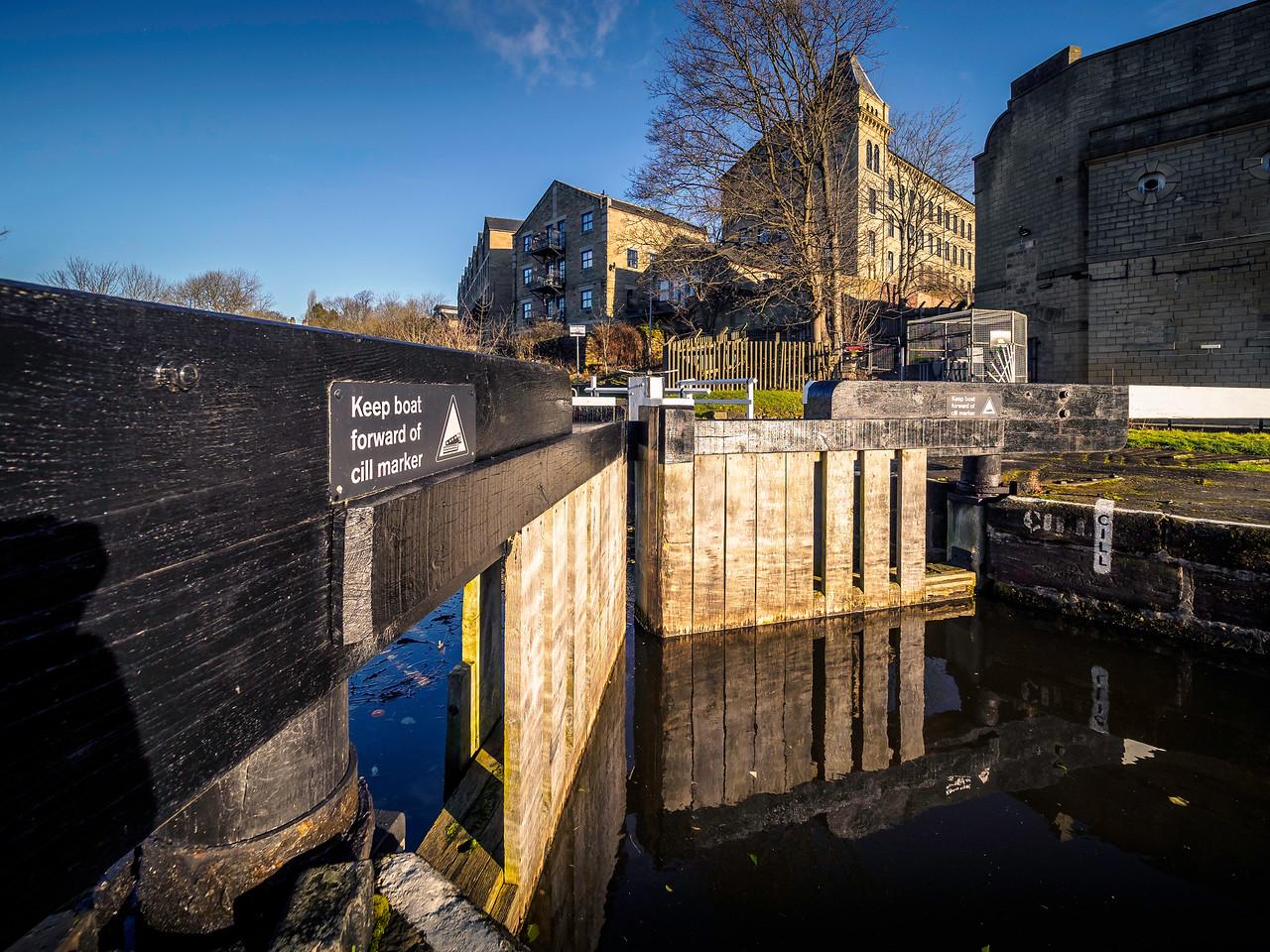 Dowley Gap Locks, Bingley