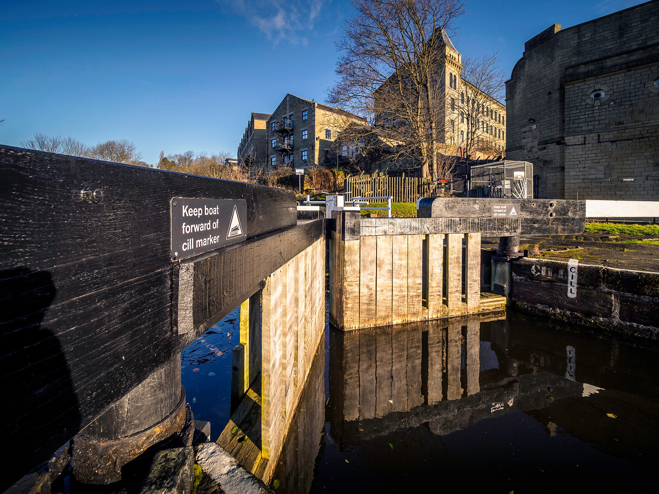 Dowley Gap Locks, Bingley