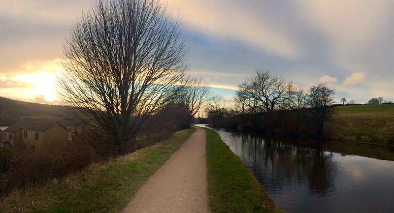 Canal between Crossflatts and Riddlesden